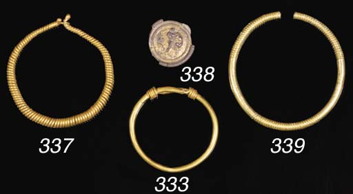 A ROMAN GOLD SPIRALLY TWISTED