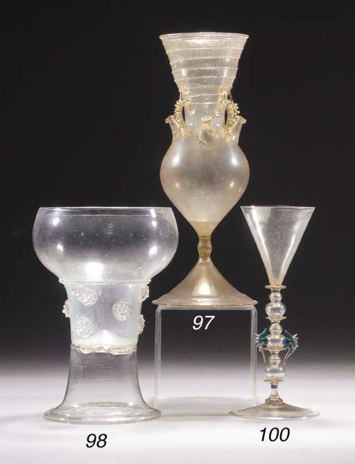 A Façon de Venise wine-glass