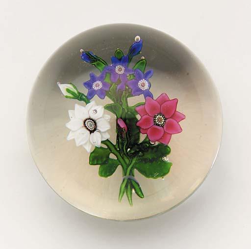A Clichy bouquet weight