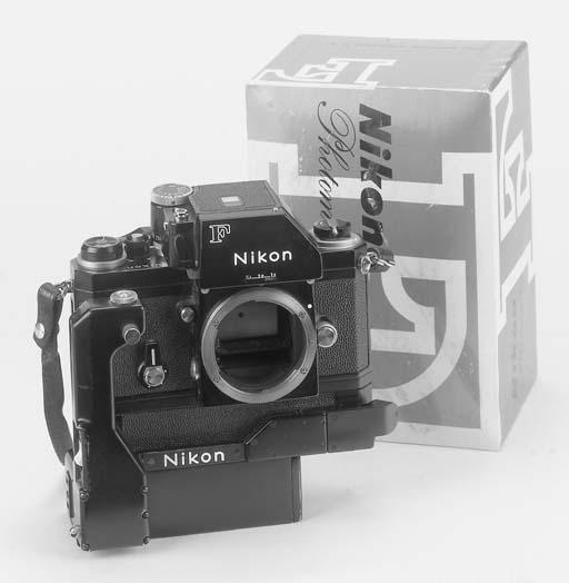 NIKON F NO. 739624