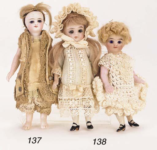 An  all-bisque dolls' house do