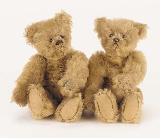 Twins, a Steiff teddy bear