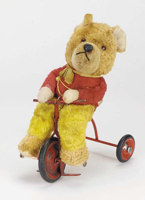 A Chiltern bear on trike