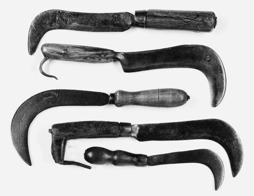 FIVE OLD VINEYARD PRUNING KNIV