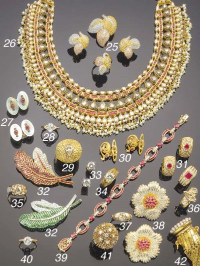 A FRENCH GOLD, PEARL AND DIAMO