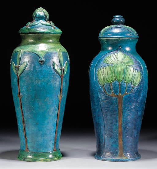 A large Compton Potters' Arts