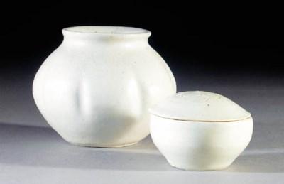 A Bernard Leach porcelain glob
