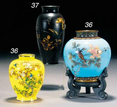 A Japanese cloisonne vase 19th