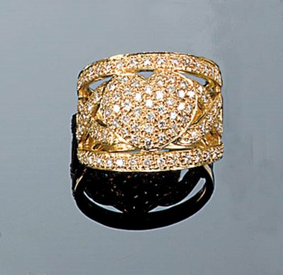 A diamond heart band ring,