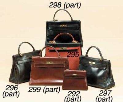 A Kelly handbag of burgundy le