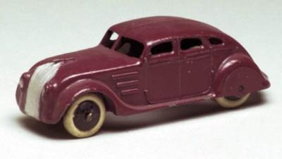 A pre-war Dinky maroon 22h Str