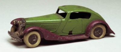 A pre-war Dinky green and maro
