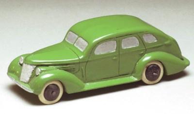 A pre-war Dinky green 39 Serie