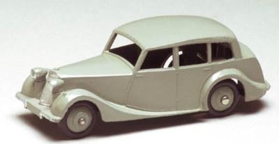 Dinky 40b Triumph 1800 Saloons