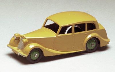 Dinky 151 Triumph 1800 Saloons