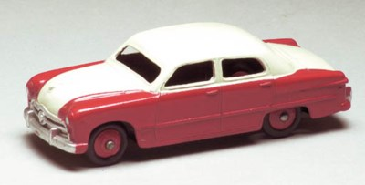 Dinky two-tone 170 Ford Fordor