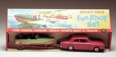 A Dinky 125 'Fun A'hoy' Set