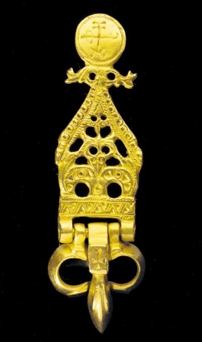 A FINE BYZANTINE GOLD BELT BUC