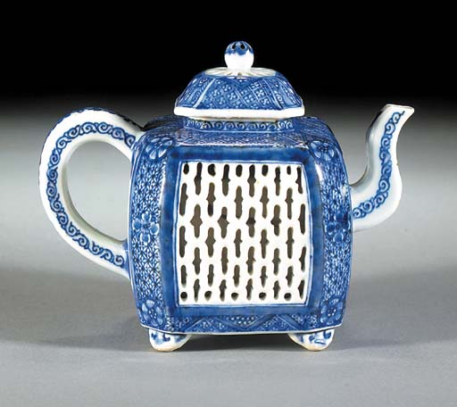 A blue and white reticulated teapot and cover Kangxi