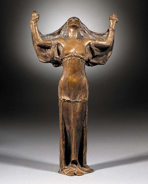 An Art Nouveau patinated bronz