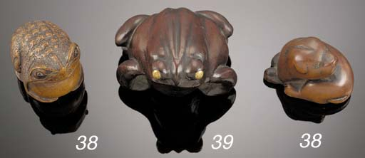 A large wood netsuke of a toad
