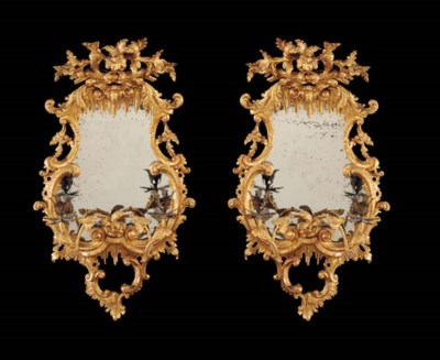 A PAIR OF GILTWOOD CARTOUCHE S