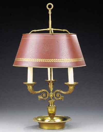 A gilt bronze bouillotte table
