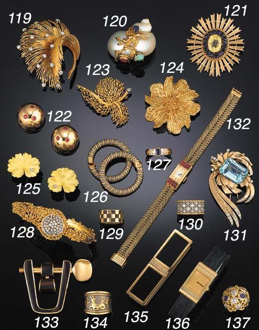 A Boucheron 18ct gold wristwat