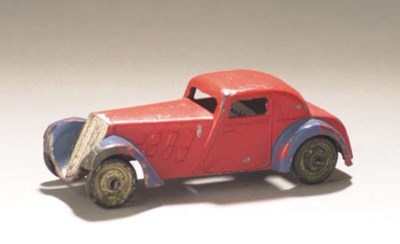 A pre-war Dinky lead-cast yell