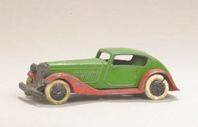 A pre-war Dinky 24e green and