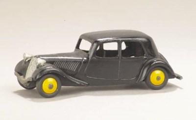 Dinky black 24n Citroën Tracti