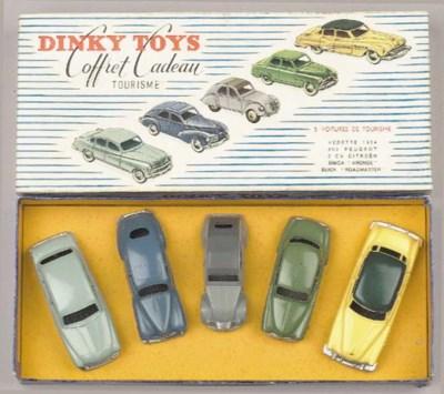 A Dinky Toys Gift Set 'Coffret