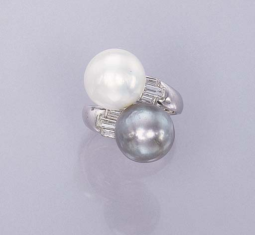 A PEARL AND GREY PEARL RING