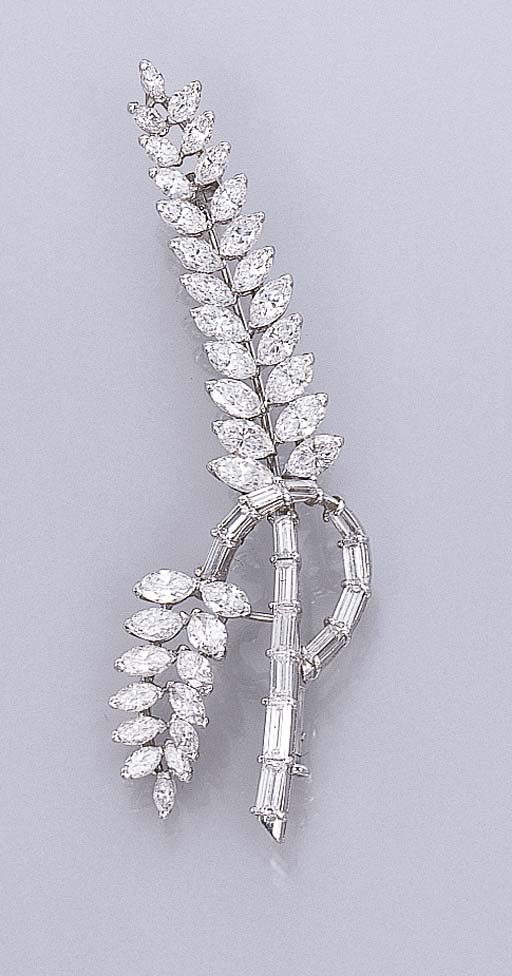 A DIAMOND FOLIATE BROOCH
