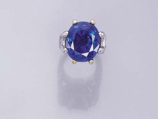 A SAPPHIRE RING, BY PETOCHI
