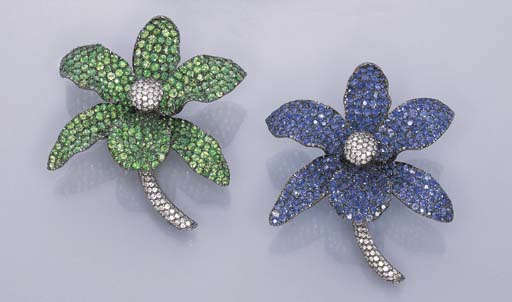 A PAIR OF MULTI-GEM ORCHID PIN