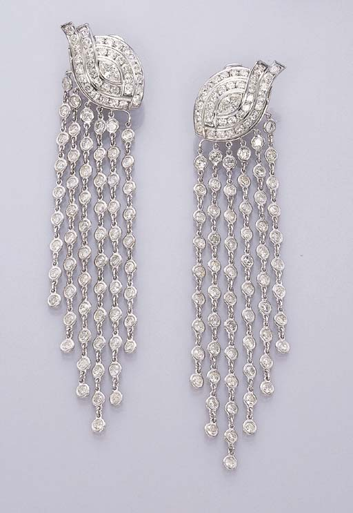 A PAIR OF IMPRESSIVE DIAMOND E