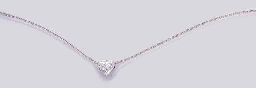 A HEART-SHAPED DIAMOND PENDENT