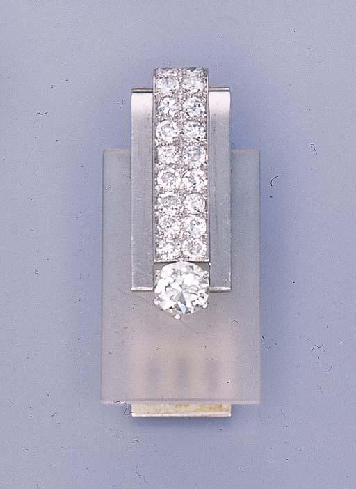 AN ART DECO DIAMOND AND ROCK C