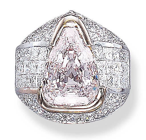 A VERY LIGHT PINK DIAMOND RING
