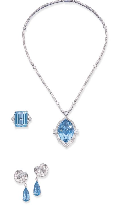A SET OF AQUAMARINE AND DIAMON