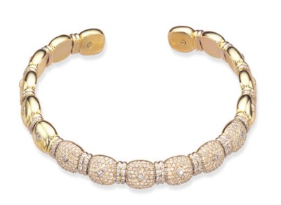 A 18K GOLD AND DIAMOND NECKLAC