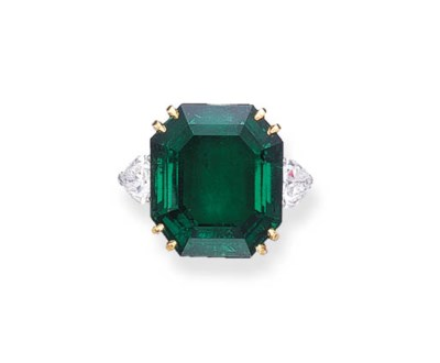 AN IMPORTANT EMERALD RING, BY