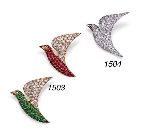 A PAIR OF GEM-SET BIRD CLIP BR