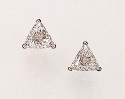 A PAIR OF TRIANGULAR-CUT DIAMO