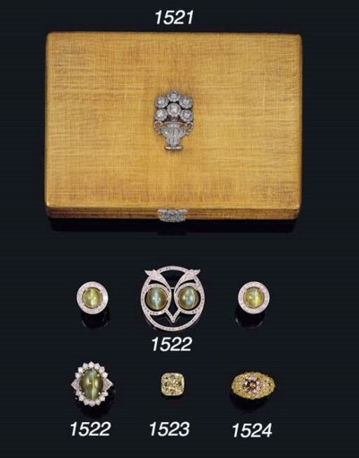 A CHARMING SET OF CAT'S EYE CH