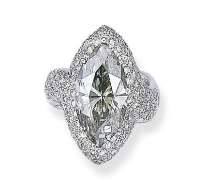 A FANCY DARK GRAY DIAMOND RING