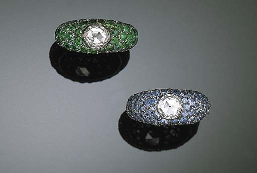 A PAIR OF MULTI-GEM RINGS