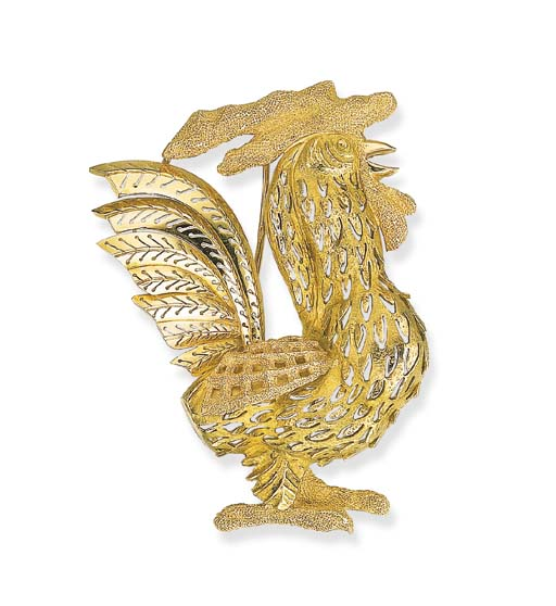AN 18K GOLD ROOSTER BROOCH, BY