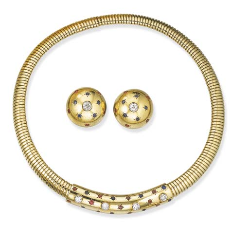 A SUITE OF GOLD JEWELRY